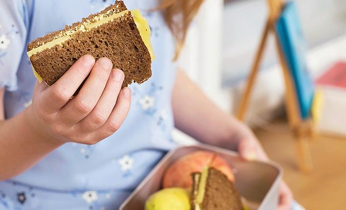 Essen und Trinken in der Schule   kindergesundheit-info.de