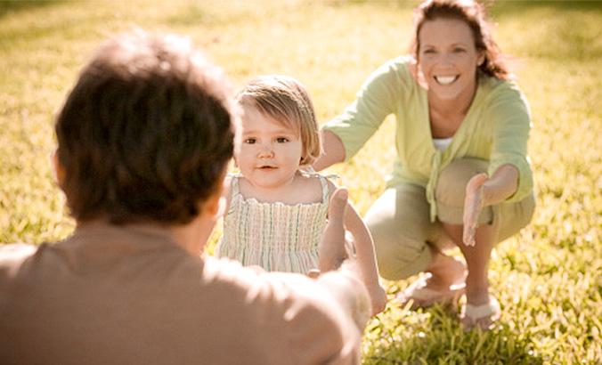 Entwicklung Der Kindlichen Bindung Kindergesundheit Info De